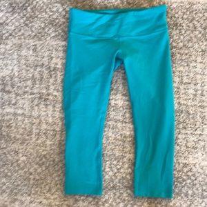 lululemon athletica Pants - Lululemon Wunder Under III crop pants!!
